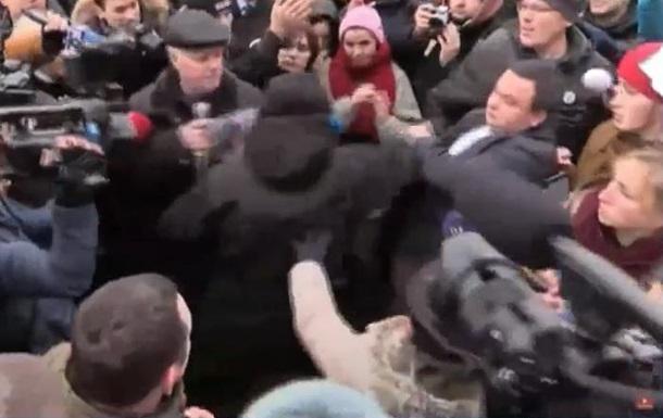 На голову Нацполіції Київської області напали мітингувальники