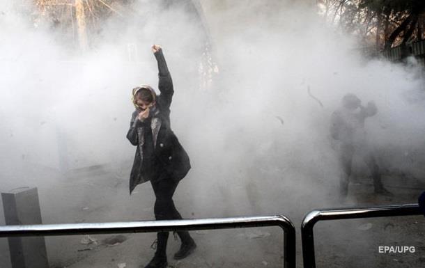 Революція в Ірані в Новий рік. Трамп за протести