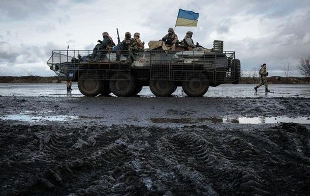 Штаб АТО: Внаслідок обстрілів двоє військових отримали поранення