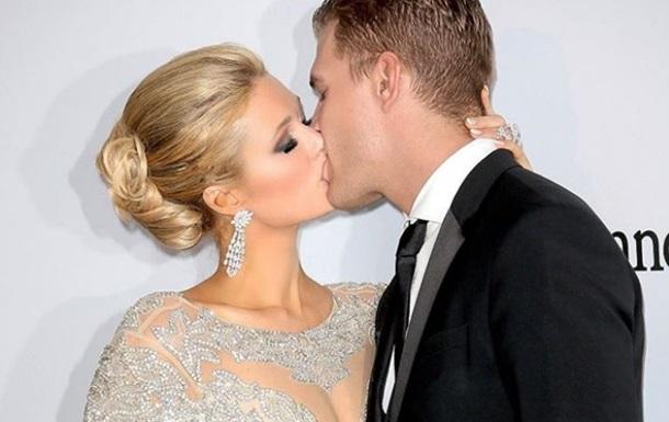 Пэрис Хилтон сообщила о помолвке с актером