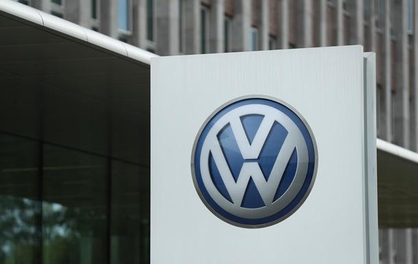 У Volkswagen і Daimler заперечують, що працюють у Криму