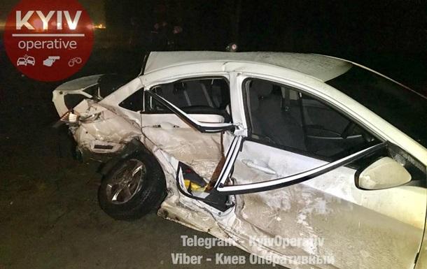 У ДТП під Києвом загинула жінка-водій