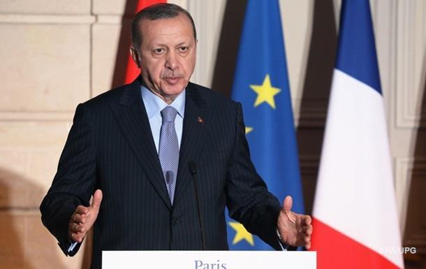Ердоган: США продовжують озброювати курдів в Сирії