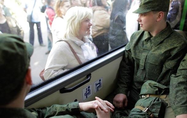 За год в армию РФ призвали около пяти тысяч крымчан − правозащитница