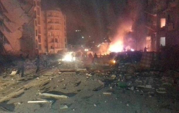У сирійському Ідлібі підірвали два автомобілі