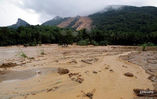 На Мадагаскар обрушился мощный циклон: десятки погибших