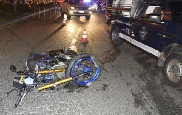 Россиянин на мотоцикле врезался в прохожих в Таиланде, есть жертвы