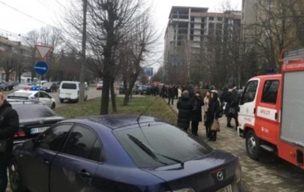 У Чернівцях у приміщенні ДФС стався вибух