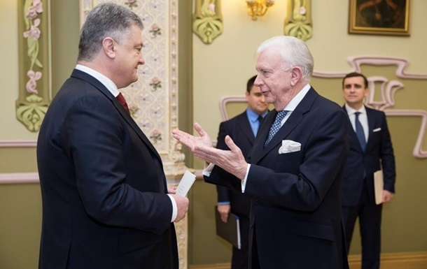 Порошенко прийняв вірчі грамоти від послів кількох країн