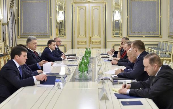 Порошенко встретился с представителями Украины в контактной группе