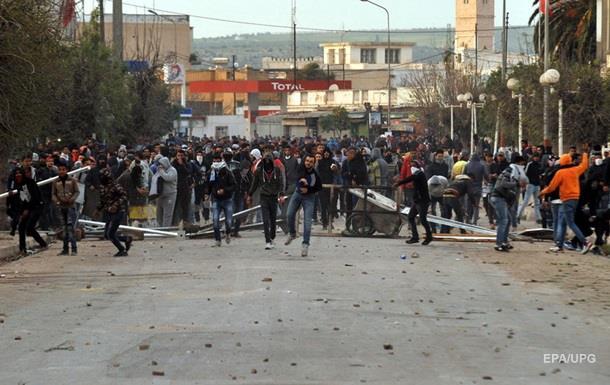 В Тунисе набирают обороты массовые беспорядки из-за роста цен