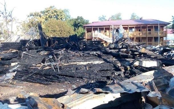 Пожар в лагере Виктория: у следствия четыре версии