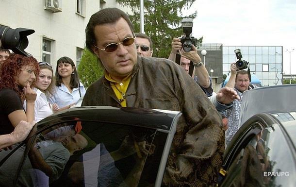 Стивена Сигала вновь обвинили визнасиловании