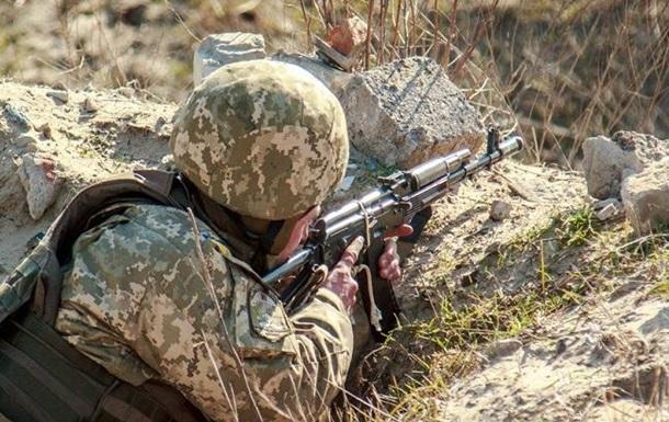 У зоні АТО шість обстрілів, поранений один боєць - штаб