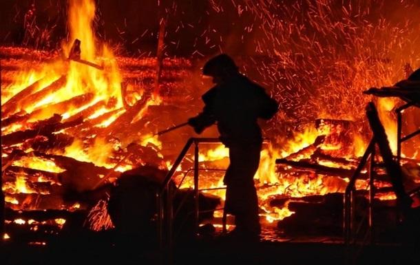 У Харківській області в пожежі у приватному будинку загинули три людини