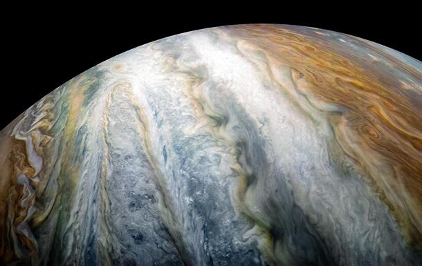 NASA показало облачные пояса в южном полушарии Юпитера