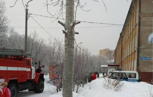 У РФ двоє в масках напали на школу: восьмеро поранених