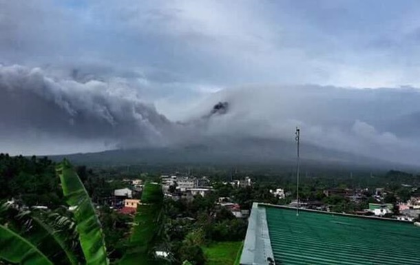 На Филиппинах эвакуируют тысячи человек из-за проснувшегося вулкана