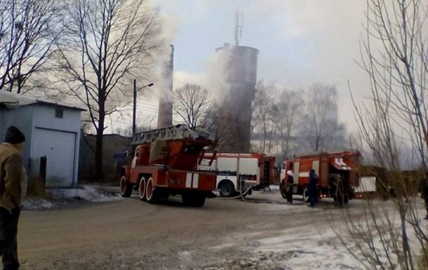 У Львові гасять масштабну пожежу