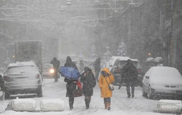 Губернаторам і мерам заборонили залишати області на час снігопадів
