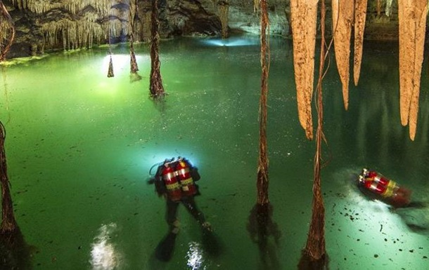 Вчені знайшли найбільшу підводну печеру