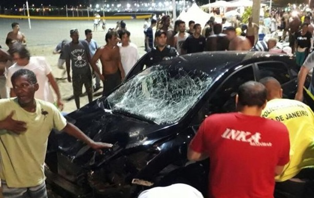 Автомобіль в їхав у натовп людей в Ріо-де-Жанейро