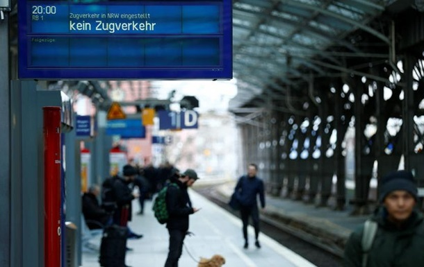 Після урагану  Фрідеріке  в Німеччині відновлюється залізничний рух
