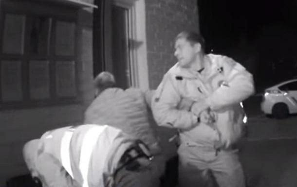В Запорожской области полицейские без причин избили водителя