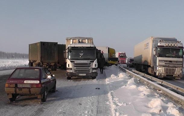Рух по трасі Київ - Одеса відновлено
