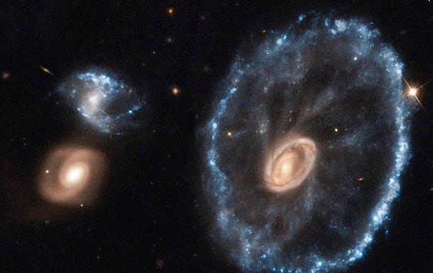 Hubble сфотографував галактику Колесо Воза