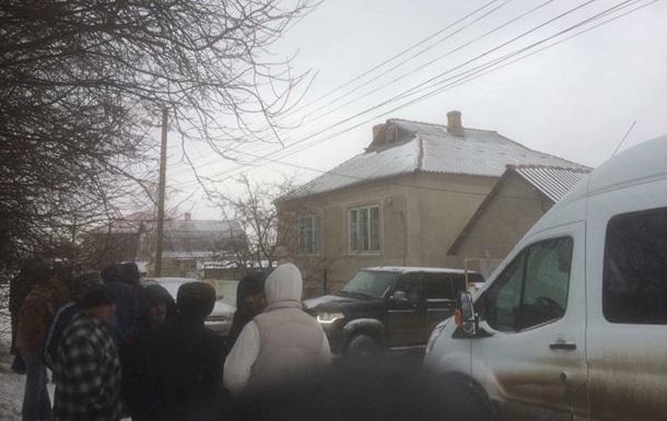 ФСБ обыскивает крымских татар: один задержанный