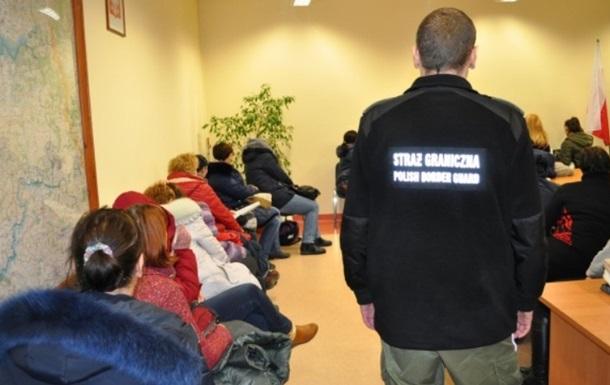 З Польщі депортують понад 60 українців