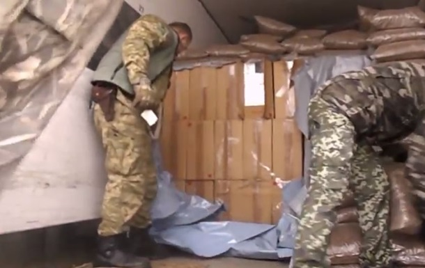 Прикордонники вилучили у серба 270 тисяч пачок сигарет