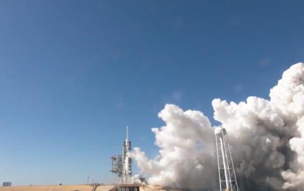 SpaceX испытала ракету-носитель Falcon Heavy