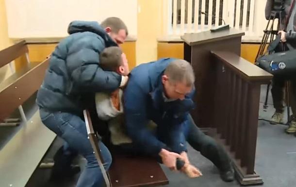 У Запоріжжі підозрюваний в суді намагався накласти на себе руки