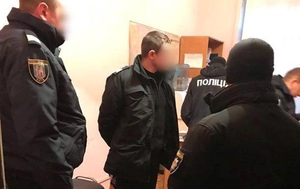 В Киеве задержали полицейских,  крышевавших  воров на вокзале