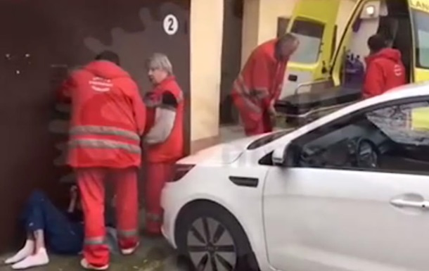У РФ медсестри викинули на вулицю тяжкохворого
