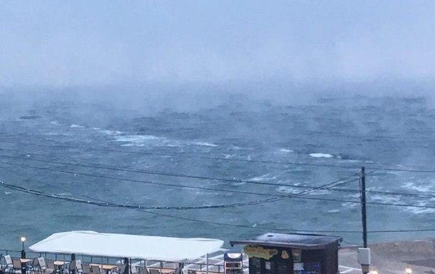 ВОдессе, как икаждой зимой, «закипело» море