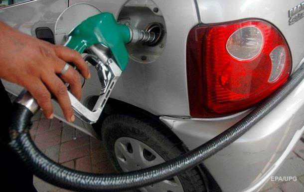Бензин дорожает в некоторых сетях АЗС