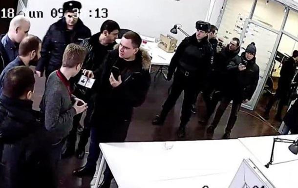 В офис Навального в Москве пришла полиция искать бомбу