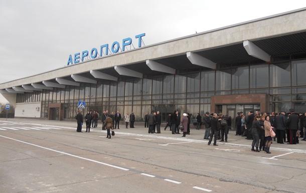 Херсонский аэропорт обслужил 100 тысяч пассажиров