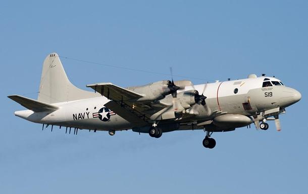 Самолет США провел длительную разведку возле Крыма