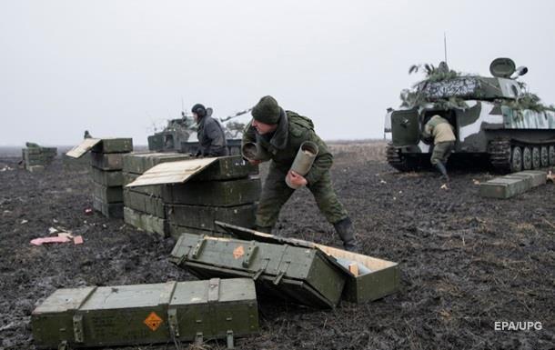 Сепаратисты получают от РФ оружие, захваченное в Крыму − разведка