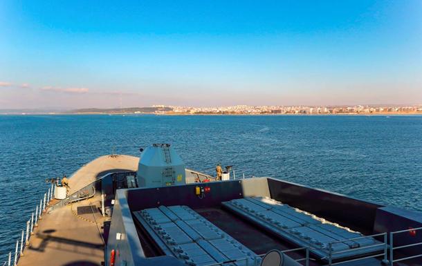 Британский ракетный эсминец вошел в Черное море