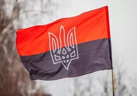 Красно-черные флаги над Украиной