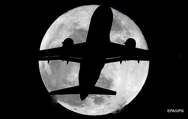 Суперлуние и лунное затмение: лучшие фото и видео