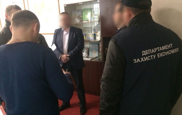 В Киевской области районный чиновник попался на взятке в $100 тысяч