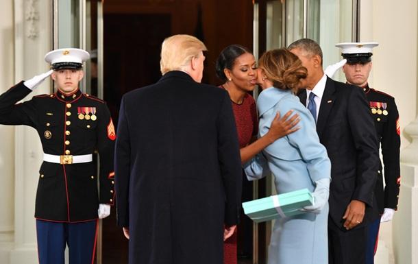Мішель Обама розповіла про подарунок від Меланії Трамп