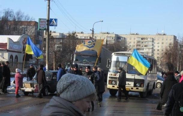 Жителі Сміли перекрили трасу на Київ
