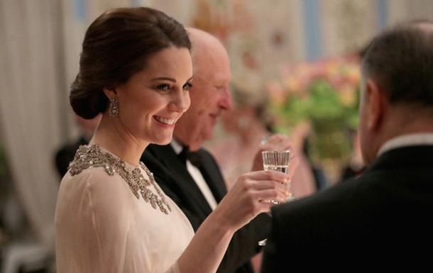 В ексклюзивній розкішній сукні: Кейт Міддлтон на королівському прийомі